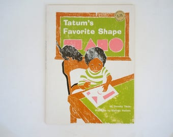 Tatum's Favorite Shape Dorothy Thole Woodcuts by Whitney Hansen Vintage Scholastic Paperback in Very Good Condition
