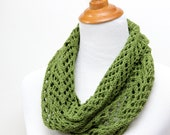 Green lace cowl for mother. Spring green cowl for mom. Silk &wool lace cowl. Hand knit lace scarf. Lightweight cowl. Gift for mother in law.