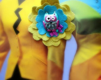 Women's Fantasy jewel brooch colorated owl and wool felted