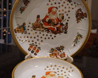 Set of 2 Vintage Santa Tin Trays/Made in W. Germany/ 1980s Christmas/ Retro Christmas/ Servind Dishes/ Santa Claus