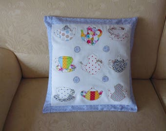 Multicolor Teacup and teapot pattern Cushion cover