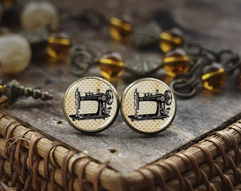 Sewing Machine stud earrings, sewing earrings, Seamstress Gift, gift for designer, Vintage Sewing Machine, fashion designer gift