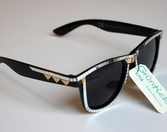 Bling Bling Glasses-sunglasses Wayfarer with mirror mosaic studded, sparkles and glitters, silver and gold, silver/gold, triangle, Festivaö
