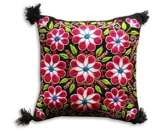 Hand Embroidered Peruvian Pillow. Woven Tapestry.