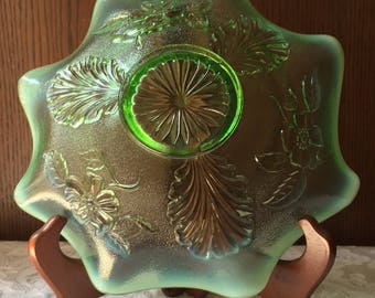 Beautiful 1905 Antique Green Opalescent Jefferson/ Northwood Bowl Blossom & Palm