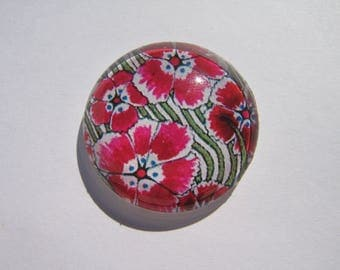 Cabochon 30 mm round domed with his image of red flowers