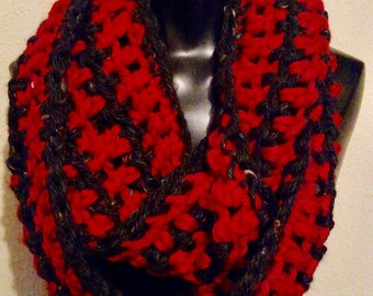Hand-crocheted infinity scarf - Red and Black