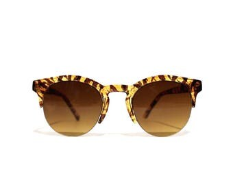 1990s Clear Brown Round Wayfarer Sunglasses