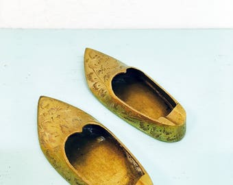 Vintage Set of Two Bass Shoe Ashtrays Made in India