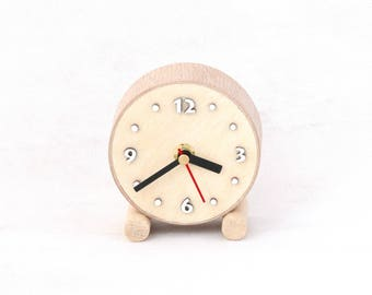 Natural NO TICKING Desk Clock Wood circle, SILENT Little Table Wooden clock, Small cute clock, Nature decor for home, Gift for Mom