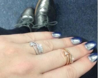 14 Karat Gold Diamond Bow and Arrow Ring