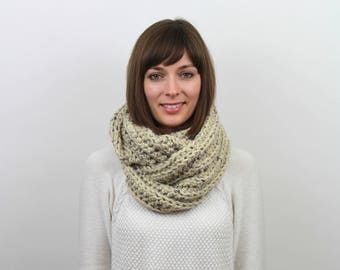 Chunky Knit Infinity Scarf Wool Circle Scarf | THE AMSTERDAM