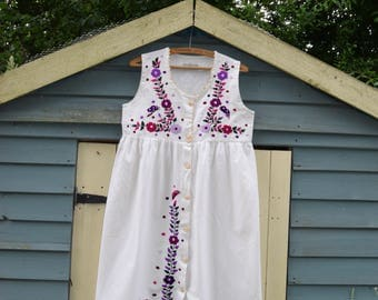 Vintage hand embroidered Cotton Mexican Dress Gypsy Festival dress boho hippy dress  s m Uk 10 12 US  6 8  folk dress