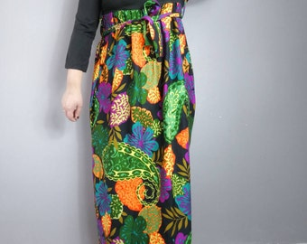 70s jungle print maxi dress / black top with bold retro fabric skirt / garden party / hippie man dress / long 70s bohemian dress festival
