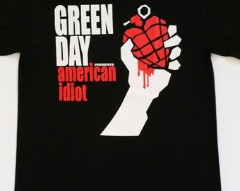 GREEN DAY- american idiot - Heart Granade - Logo - Black Unisex T-Shirt Sizes S-2XL