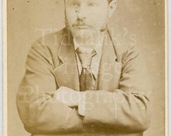 CDV Carte de Visite Photo Young Victorian Mustached Man, Folded Arms Casual Pose Portrait - H W Bird & Co. London England - Antique Photo