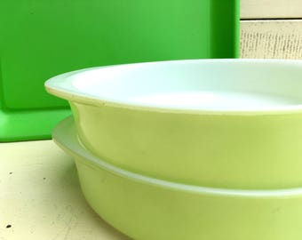 """Pair of 1950's Lime Green Pyrex Pie Plates! * GORGEOUS Bright Happy Green 9"""" Pyrex Pie Plates * Two Vintage Pyrex Pie Plates in Lovely Lime!"""