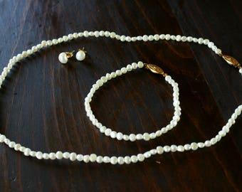 Vintage Freshwater Pearl Jewellery Set - Necklace, Pierced Earrings and Bracelet Wedding/Bridal Jewellery M-878
