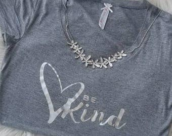 Be Kind T- Shirt and Necklace