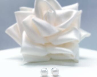 White Natural Button Pearl Stud Earrings 925 Silver