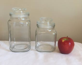 """Anchor Hocking 3.5"""" diameter Square Glass Apothecary Storage Jars 2, Vintage 1960s earlier? US PAT NO 2,614,727 plastic lid gasket"""