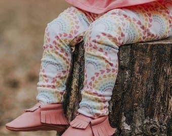 Rainbow Heart Leggings - Rainbow Leggings, Rainbow Baby, Girl Leggings, Rainbow Baby Outfit, Newborn Outfit, Rainbow Hearts, Leggings