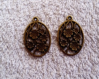 Oval flower charms