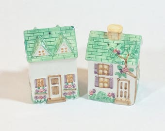 Vintage Cottage House Salt & Pepper Shakers Shabby Chic Decor Made in Japan