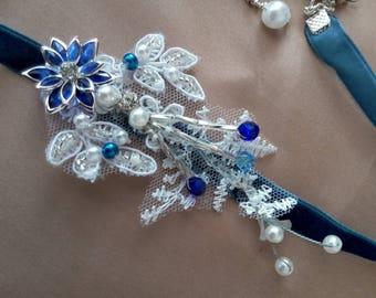 Pretty Choker velvet dark blue, white and beaded guipure lace