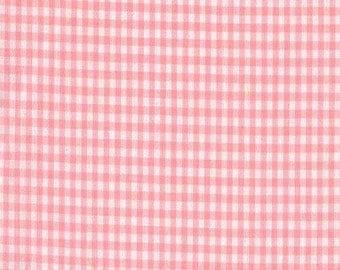 1/8 Candy Pink Robert Kaufman Carolina Gingham, Pink White Checked Gingham
