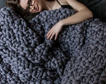 chunky blankets throws infinity scarves and hats by jennysknitco. Black Bedroom Furniture Sets. Home Design Ideas