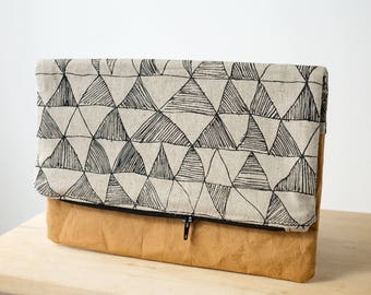 Fold over clutch with triangle print by Mookah and washable paper - Large size. Zipper pouch // Clutch bag