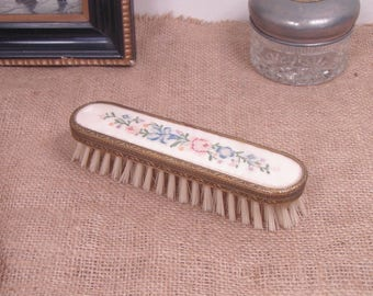 Vintage Mid Century Embroidered Floral Inlay Handle Vanity Clothing Personal Grooming Brush - Made In England - FREE SHIPPING