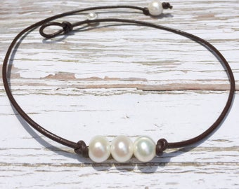 Delicate Pearl Necklace, Leather Pearl Necklace, Leather Choker Necklace, Boho Leather Necklace, Boho Jewelry, Leather Cord Necklace