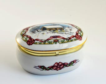 Vintage,Christmas in July,1991,Heritage House,Porcelain,Music Box,Melodies of Christmas,O Come All Ye Faithful,Ceramic Music Box,Made  Japan