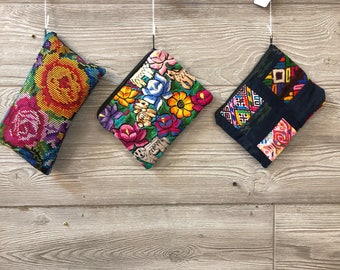 Embroidered Zipper Clutches from Chiapas