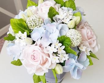 Alternative bouquet, blush pink bouquet, home floral arrangements, flower arragemants, hydrangea bouquet, romantic bouqet, blush roses