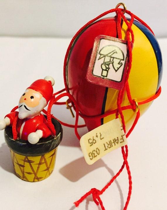 Vtg Kathe Wohlfahrt Collectable Wood Santa in a hot air balloon