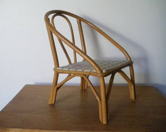 Old small doll rattan chair: 1970