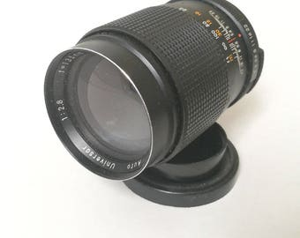 Vintage Auto Universar 135 mm f2,8 Lens for M42-Mount SLR Camera