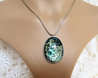 Green Glass Pendant. Green Pendant on Silver Tone Metal Chain. Oval Shaped Pendant Necklace. Green and Silver Pendant.