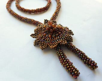 Woven necklace in Pearl seed beads, interchangeable pendants, colors and customizable designs
