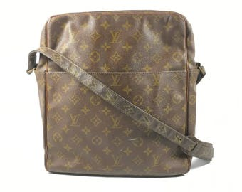 Authentic Louis Vuitton bag. Louis Vuitton Marceau bag. Vuitton monogram  bag. Louis Vuitton vintage bag. Vuitton messenger bag.