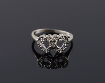 18k 1960's Genuine Diamond Overlapping Heart Ring Gold