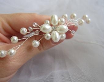 Bridal pins, bridal ivory pins, bridal pearl, wedding hair pins, ivory pearl, bridal hair accessories, bridal hair pins, pearl pin, crystals