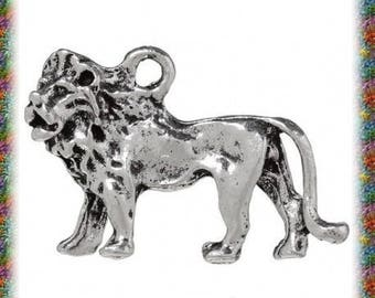 2 pendants in antique silver 3D Lion
