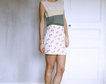 Skirt with floral and split on the front print