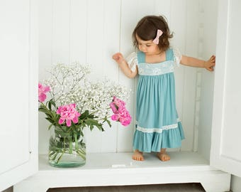 Vintage, romantic dress for girls, photo session