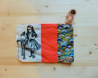 Soft case Alice in wonderland