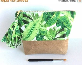 Tropical Print - Palm Leaf Bag - Travel Pouch - Tropical Bag - Large Makeup Bag - Travel Bag - Make Up Bag - Honeymoon Bag - Gift for Her